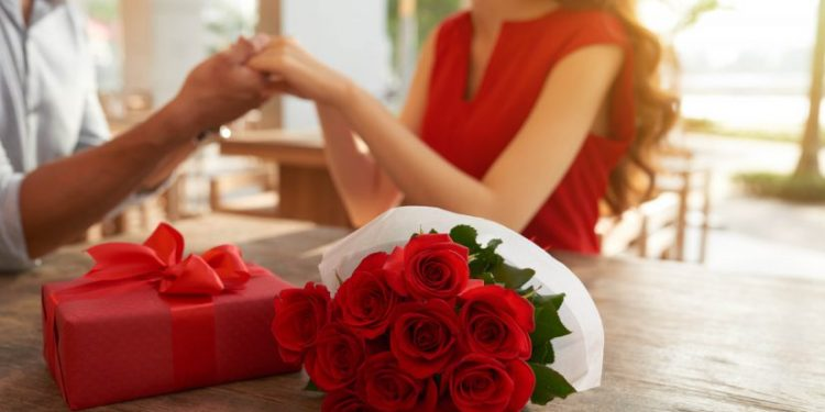 Romantic Ways to Surprise Your Wife with Flowers